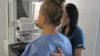 Invita Inmujeres CDMX a realizarse una mastografía para detectar a tiempo el cáncer de mama